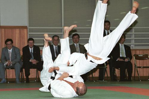 Vladimir_Putin_in_Japan_3-5_September_2000-23