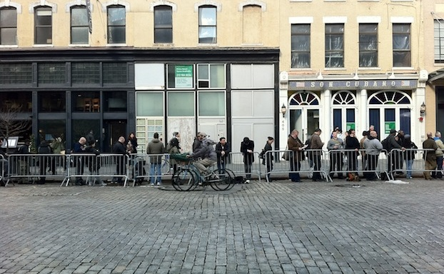 Look At All These Losers In The Meatpacking District Waiting to Buy An iPad2