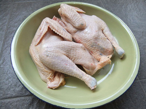 Man Breaks Into Home, Gets Naked and Eats Raw Chicken