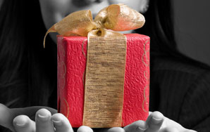 How To Pick A Present For Your Ex-Boyfriend's 40thBirthday