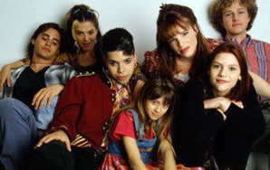 13 Awesome 90s TV Shows With Strong Female Leads