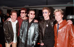The 10 Hottest 90s TeenHeartthrobs