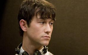 Joseph Gordon-Levitt Is Hotter Than Ryan Gosling