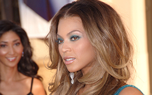 An Open Letter To Beyoncé's Weaves