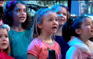 """Heartwarming Video Of Newtown Elementary Students Performing """"Over TheRainbow"""""""