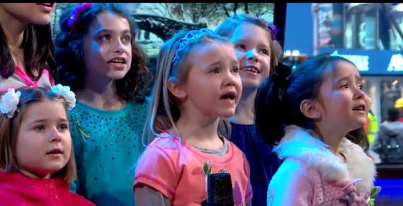 "Heartwarming Video Of Newtown Elementary Students Performing ""Over The Rainbow"""