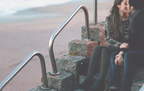 8 Things A Guy Does That Makes You Think He Wants To Be With You, But Not Really