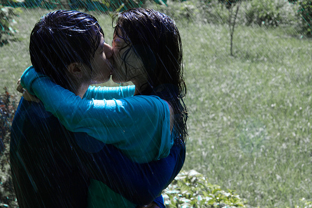 Nicholas Sparks And Other Reasons Why I Hate Making Out In TheRain