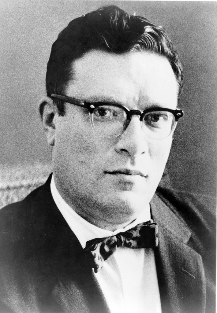 709px-Isaac.Asimov01
