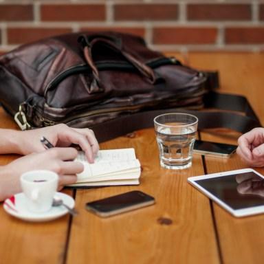 5 Reasons Fall Is The Season For Internships