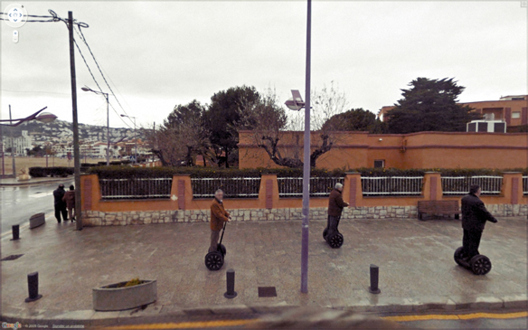 25 Beautiful, Awesome, Bleak WTF Pictures Taken By Google Streetview