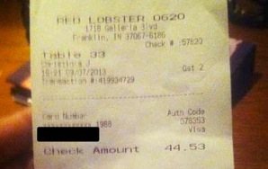 """Worst Customer Ever: Instead Of Tip, Waitress Gets Message Reading """"None,N*gger"""""""
