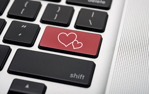 Our Illusional Internet Love Lives