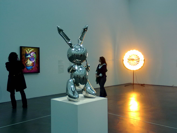 CHICAGO Koons Rabbit at Museum of Contemporary Art