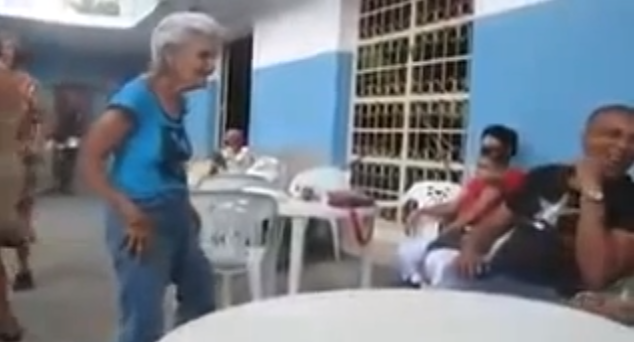 This Old Lady Poppin' To Blurred Lines Is Everything