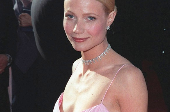 Vanity Fair Is About To Throw Shade On Poor Gwyneth, What Could It Possibly Be