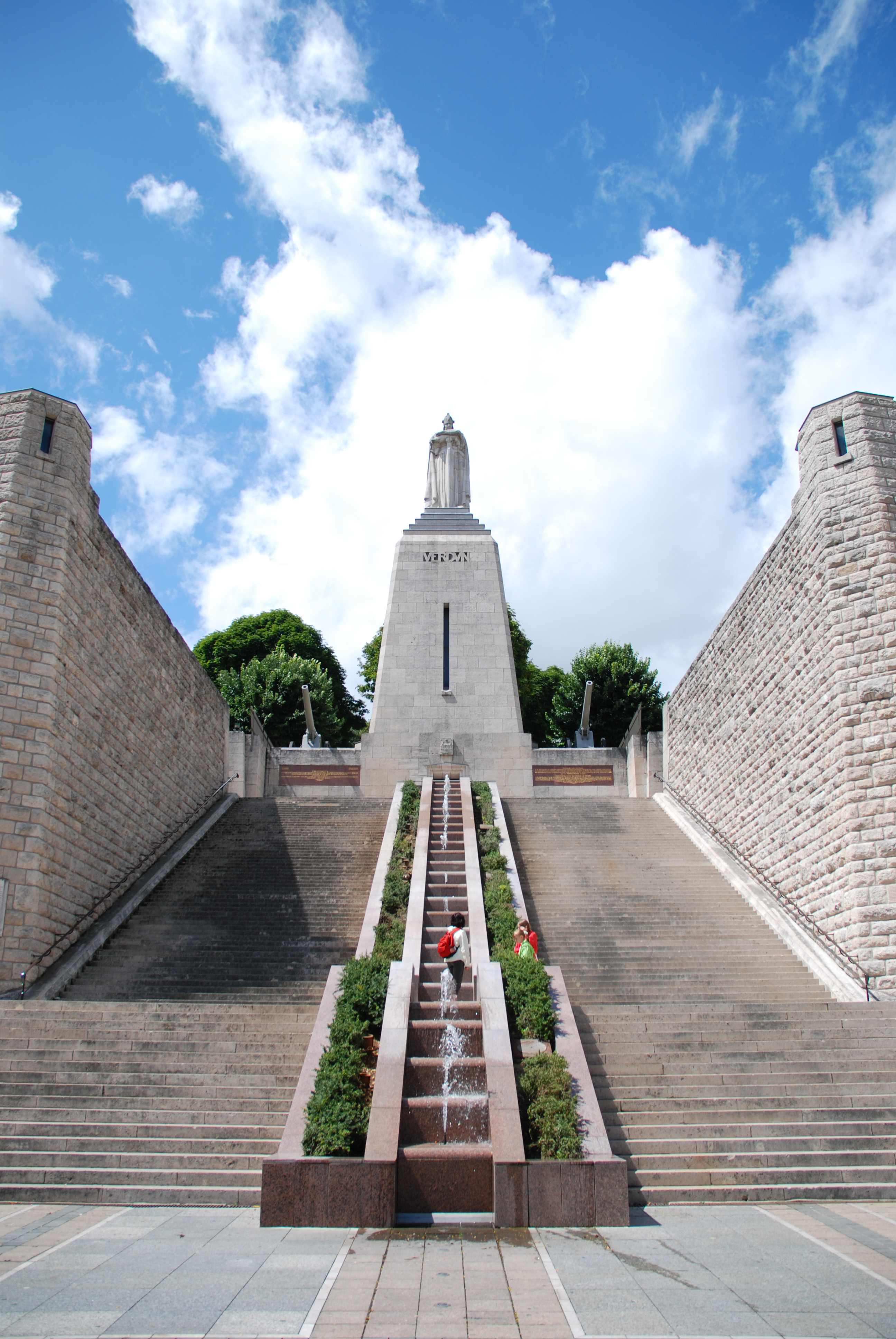 Victory_Monument_Verdun