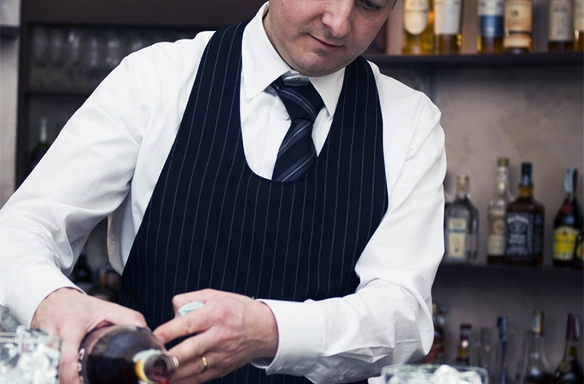 10 Popular Myths About Bartenders