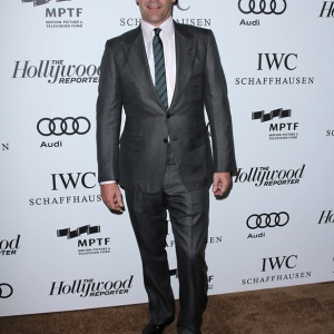 I Have Ogled Jon Hamm's Crotch On The Internet, And For That I Am Sorry