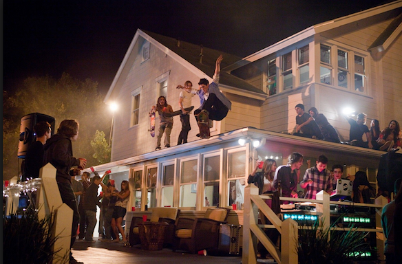 26 People On The Craziest, Most Messed Up Thing They've Ever Witnessed At AParty