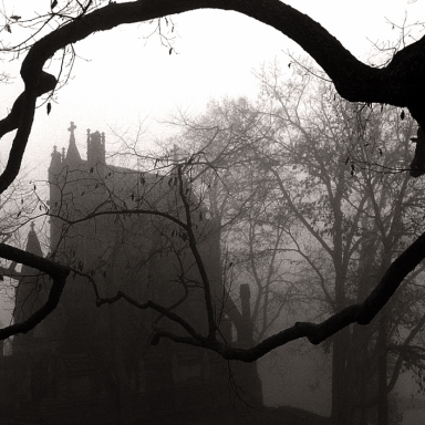 30 Insane Unsolved Mysteries (With Video Footage) That Will Keep You Up At Night