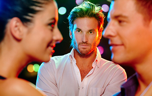 7 Definitive Signs Someone Is Trying To Steal YourMan