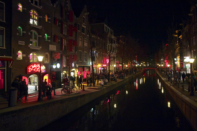 My Experience In Amsterdam's Red LightDistrict