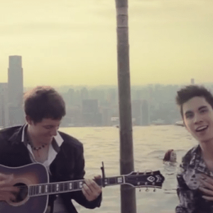 'Acoustic Pop Medley 2013' Is Pure, Addictive Bliss