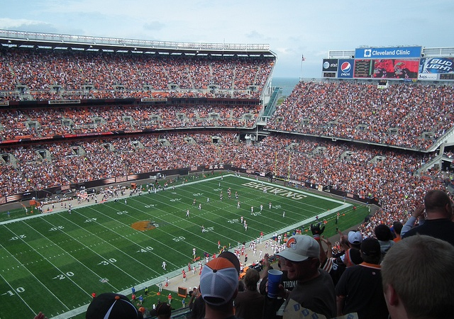 Why I Love To Watch Football (A Woman's Take On TheNFL)