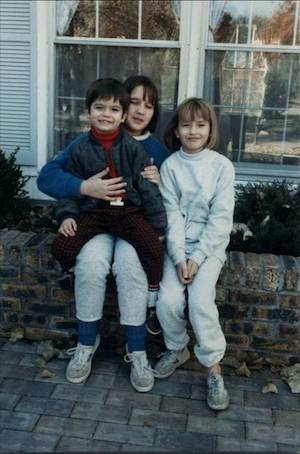 Mélanie and her siblings as kids