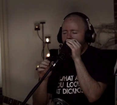 Man Covers Kate Bush's 'Wuthering Heights' And It's Everything