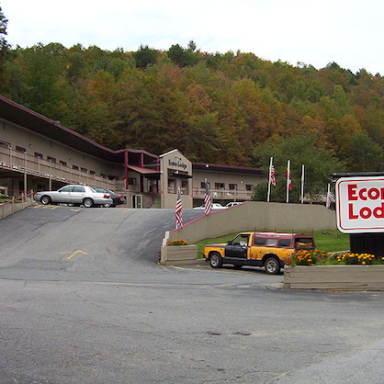 In The Valley Of Econo Lodge