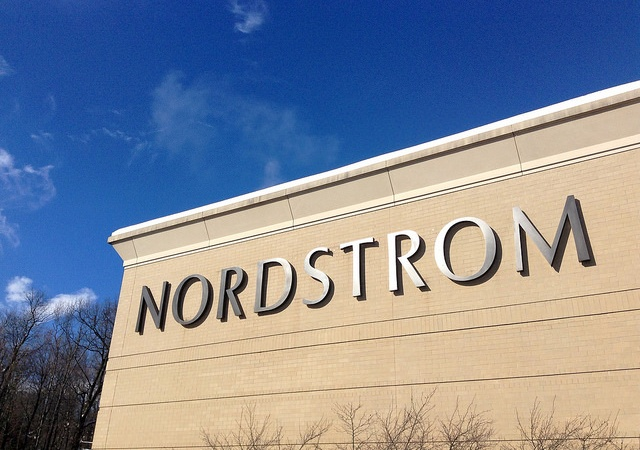 Dear Nordstroms Dressing Rooms: PleaseStop