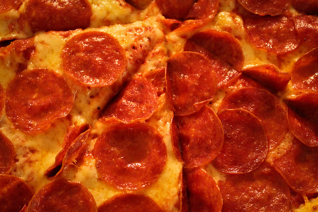 The best way to propose to someone is using pepperoni pizza because you can eat it after, whatever the outcome may be. image - Flickr / brendan-c