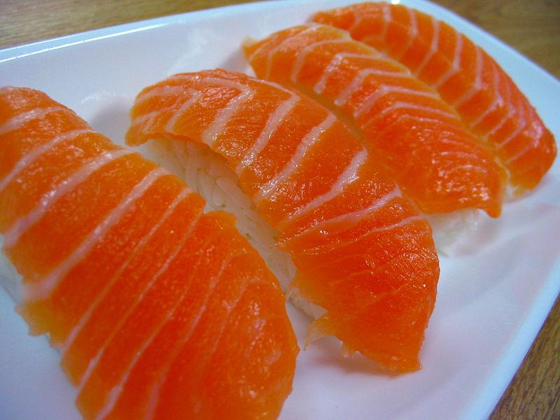 Salmon Nigiri [鮭握り]