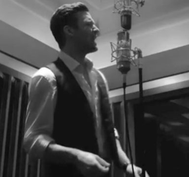 """Video: Mash-Up Of Justin Timberlake's """"Suit And Tie"""" And """"Let's Get It On"""" Is Sexier Than You'd Expect"""