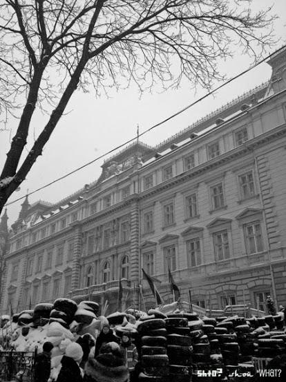 lviv-barricade