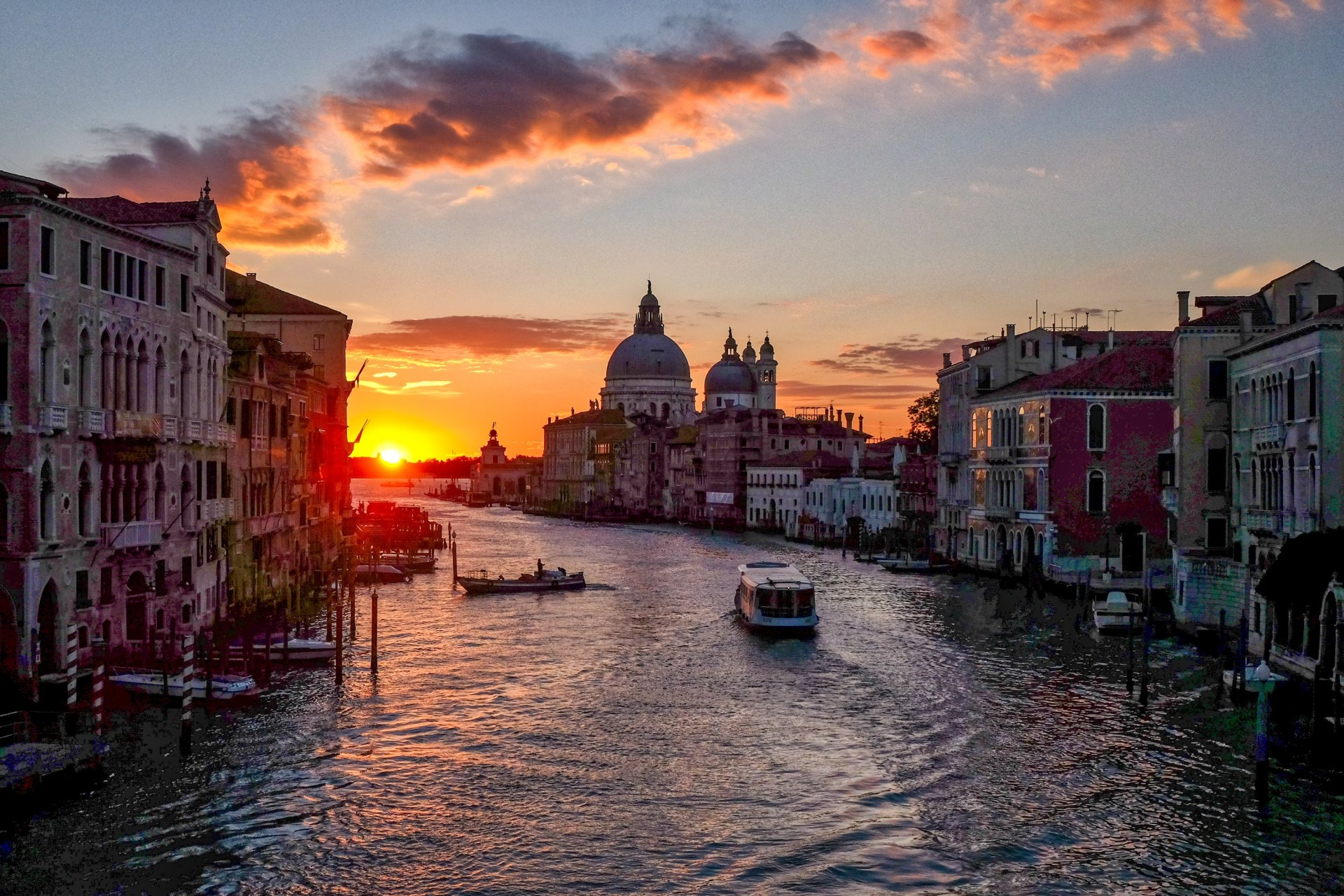 I Planned A Trip To Venice To Cheat On My Boyfriend With A Man I Only Met Once