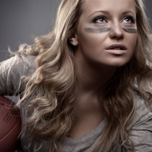 22 Stupid Questions Every Girl Asks During The Super Bowl