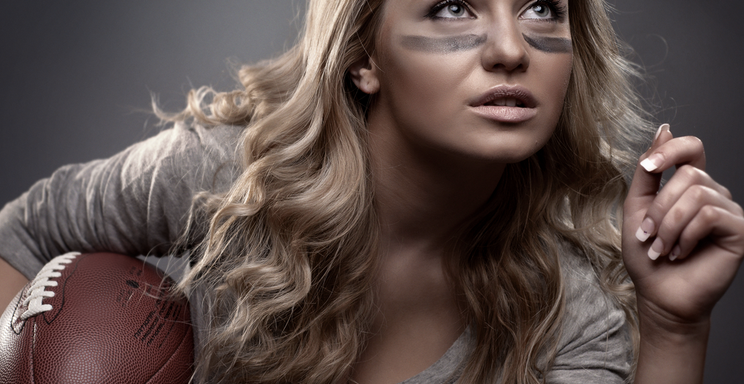 22 Stupid Questions Every Girl Asks During The SuperBowl
