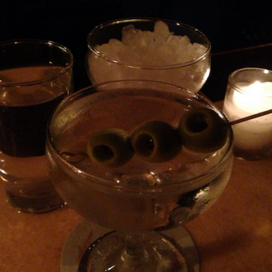 The Best Nights Of The Week To Go Out Drinking, Ranked