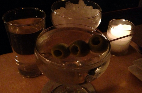 The Best Nights Of The Week To Go Out Drinking,Ranked