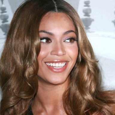 I'm A Retail Employee Who Helped Beyoncé And Blue At A Clothing Store: Here's What Happened
