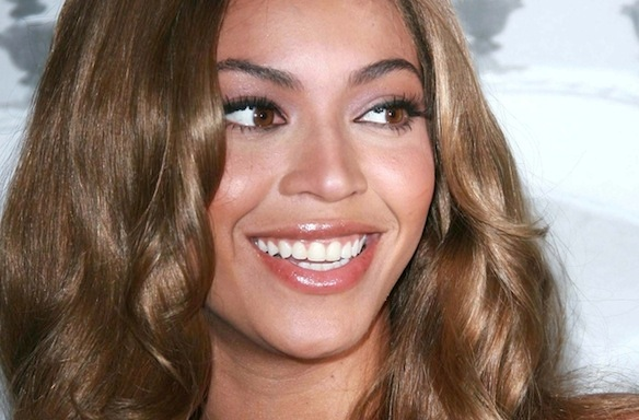 I'm A Retail Employee Who Helped Beyoncé And Blue At A Clothing Store: Here's WhatHappened