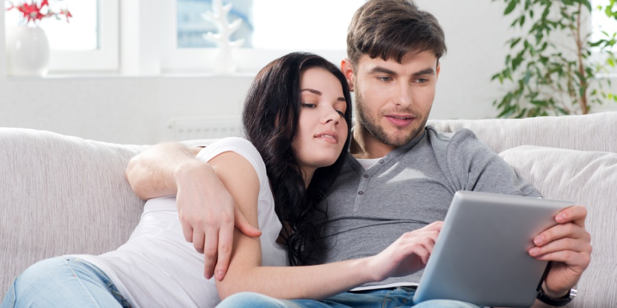 6 Must-Follow Rules To Prevent Social Media From Ruining Your Relationship