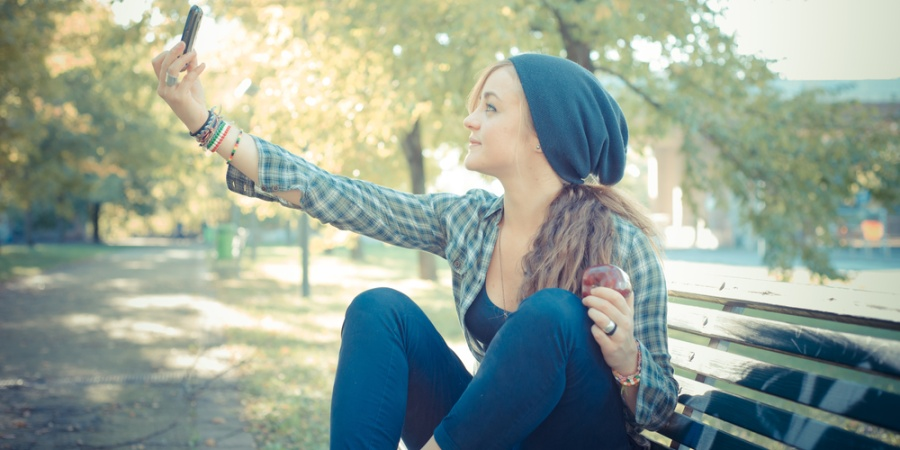 5 Ways To Recover From Getting Called Out For Taking A Selfie