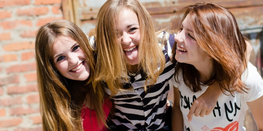 18 Unexpected Perks Of Being The Middle Child