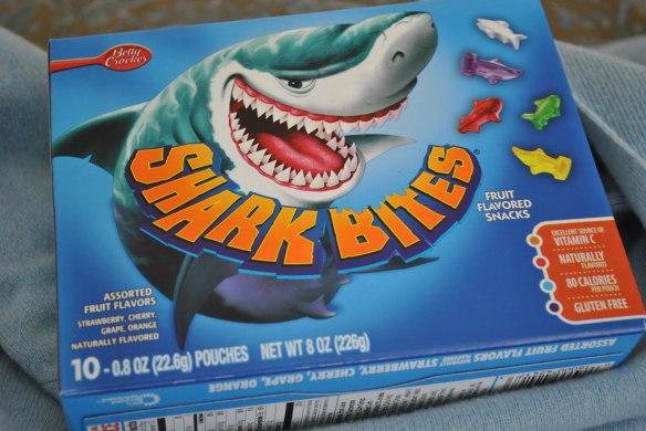 Betty Crocker Shark Bites Fruit Flavored Snacks - 8 oz box
