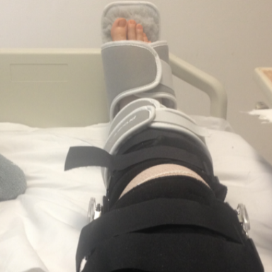 10 Problems Only People With Knee Injuries Understand