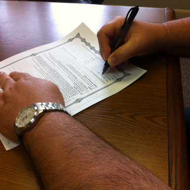 The Newest Dating Trend: Relationship Contracts
